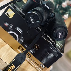 Nikon D3400 and Lens for Sale in Pensacola, FL