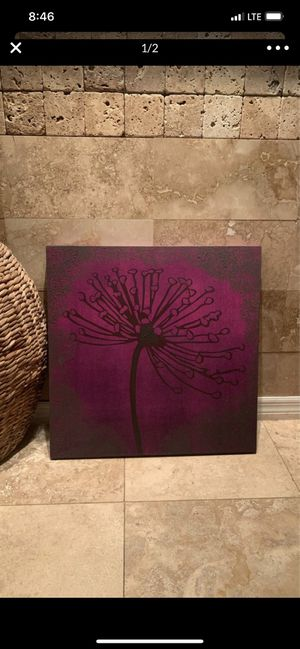 "Pier one canvas, size 24""x24"", purple, new condition for Sale in New Port Richey, FL"