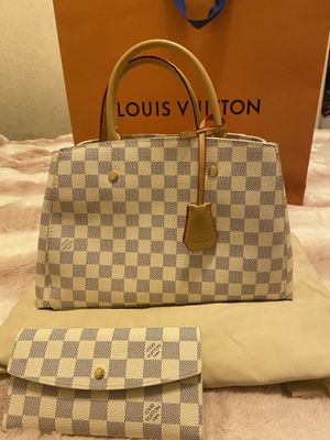 Louis Vuitton Hand Bag for Sale in Castro Valley, CA