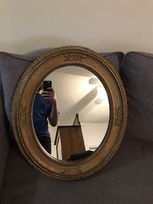 Mirror oval in a gold frame antique. for Sale in Hallandale Beach, FL
