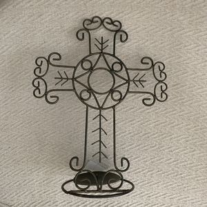 Wire cross candle holder can display as wall hanging or on a flat surface. Set of 2 for Sale in LOS RNCHS ABQ, NM