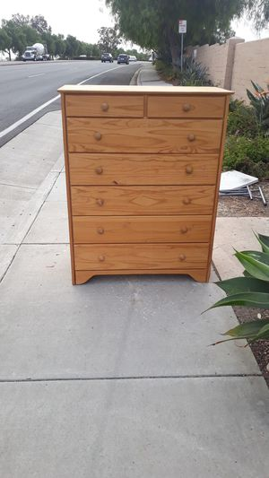 7 drawer dresser for Sale in Carlsbad, CA