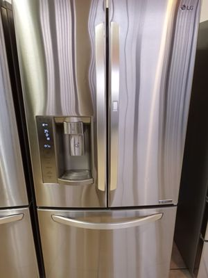LG French Doors with Dispenser, Stainless Steel Refrigerator with Grab-N-Go Doors for Sale in Los Angeles, CA