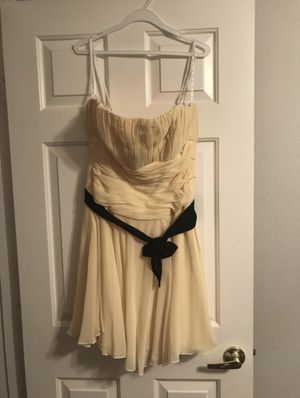 Yellow short Bridesmaid Dress Sz 14 for Sale in North Las Vegas, NV