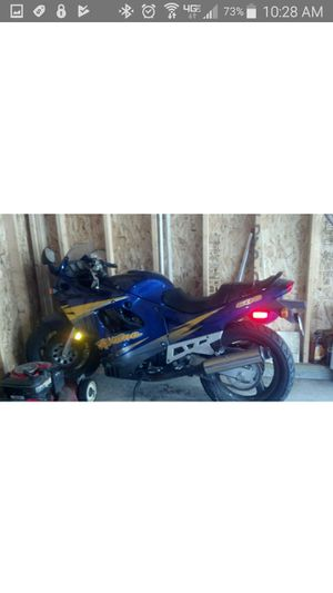 Motorcycle 1997 suzuki katana 600 for Sale in Valley View, OH