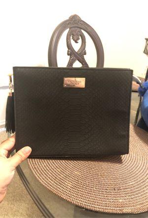 Hand bag for Sale in Coachella, CA