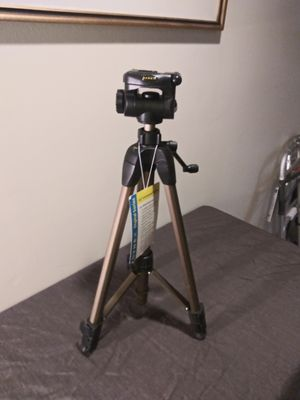 Dynex Pro Tripod for Sale in Silver Spring, MD