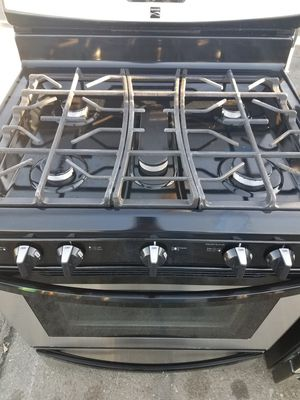 Kenmore gas stove w/5 burners for Sale in Oakland, CA