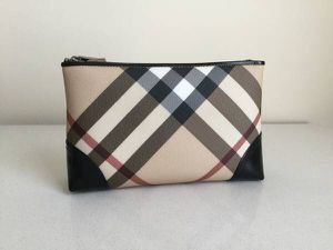 Burberry Pouch Makeup Organizer Cosmetic Bag Ombré for Sale in Vienna, VA