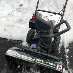"""MTD 195CC 22"""" Two stage snowblower for Sale in West Hartford, CT"""