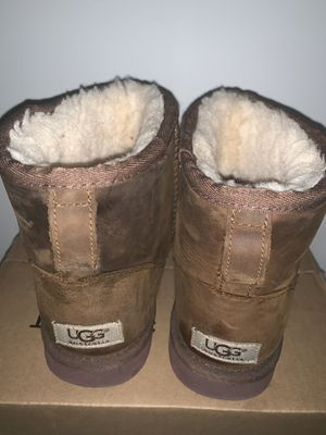 Mini Ugg boots size 7 for Sale in New York, NY