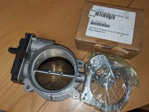 Gt350 throttle body with adapter for Sale in San Antonio, TX