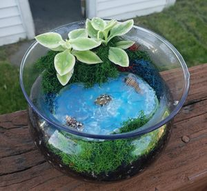 Glass flower Terrarium for Sale in Detroit, MI