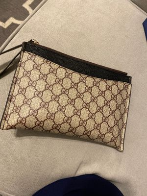 Gucci clutch bag hand bag wallet bag for Sale in Los Angeles, CA