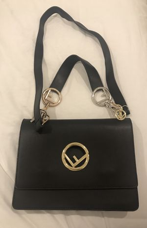 Fendi bag for Sale in Chicago, IL