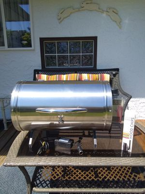 ELECTRIC PELLET SMOKER BBQ GRILL • STAINLESS STEEL • EXCELLENT CLEAN CONDITION for Sale in SeaTac, WA