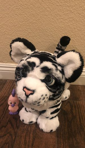 Furreal friends white tiger special edition for Sale in Las Vegas, NV