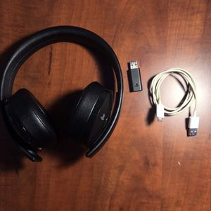 Sony PlayStation Gold Wireless Headset for Sale in Warrenville, IL