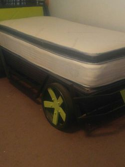 Kids Car Twin Bed for Sale in Reedley,  CA