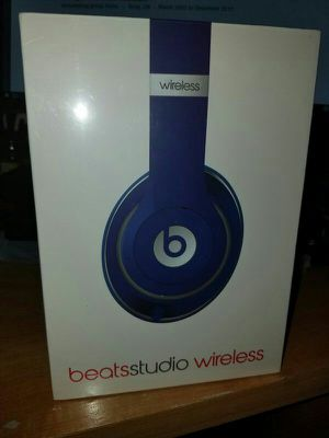 Beats by Dr. Dre Studio Wireless 2.0 Bluetooth, long lasting battery life, Over-Ear Headphones. Amazing sound for Sale in Phoenix, AZ