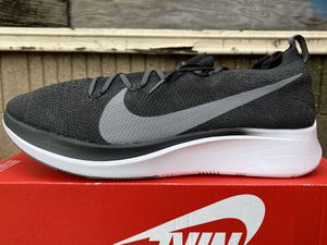 Nike Zoom Flyknit for Sale in Carson, CA