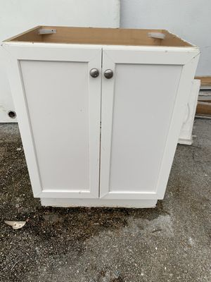 Bathroom kitchen cabinet for Sale in Hollywood, FL