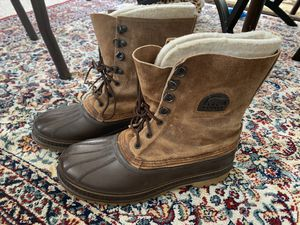 Men's Sorel snow boots size 9. for Sale in Winchester, MA