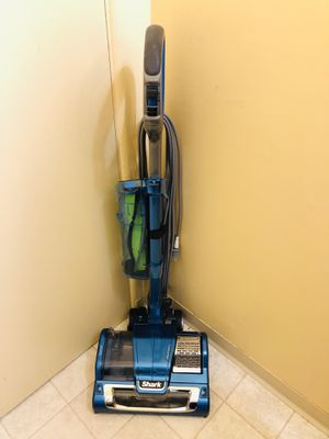Shark AH452W Vacuum Cleaner for Sale in Tacoma, WA