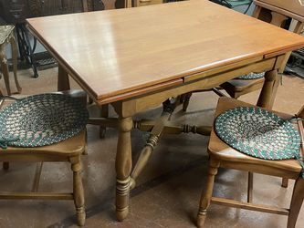 Maple Dining Extendable Kitchen Table With Four Chairs for Sale in New Brighton,  PA