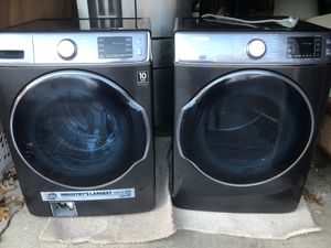 Samsung 5.4 cu ft. Front load washer and dryer for Sale in Wichita, KS