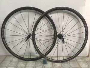 REYNOLDS ATTACK CARBON ROAD BIKE WHEELSET 700c CLINCHER TUBELESS for Sale in Miami, FL