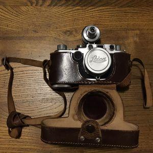 Leica IIF Film camera kit w/Leica Summitar 5cn (50mm) lens for Sale in Olympia, WA