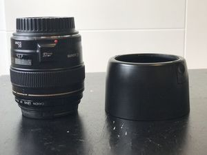 Canon EF 85mm f/1.8 USM lens for Sale in Monroe, WA