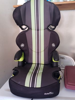 Booster seat & car seat for Sale in Palmdale, CA