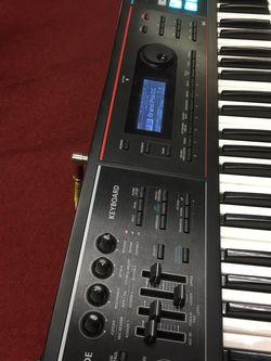 ROLAND JUNO DS (61 Keys) for Sale in Columbus,  OH