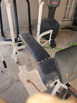 Weightlifting bench for Sale in Fresno, CA