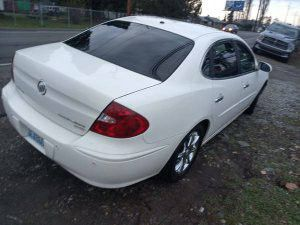 Buick Lacrosse 2005 Comfortable Smooth Ride needs a windshield for Sale in Tacoma, WA
