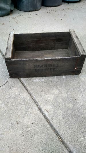 Vintage Wood Box for Sale in Whittier, CA