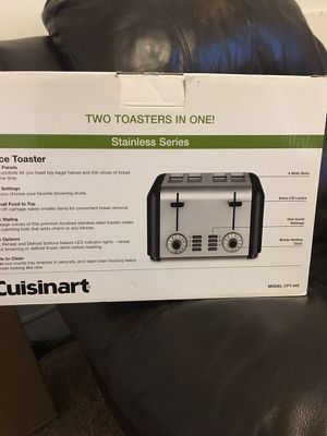 Cuisinart 4- Slice Toaster for Sale in Cleveland, OH