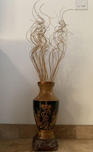 Vase with flower stems for Sale in Shafter, CA
