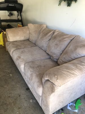 FREE COUCH for Sale in Dahlonega, GA