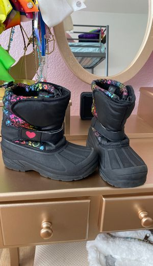 Girls 13 adjustable snow boots for Sale in Peoria, AZ