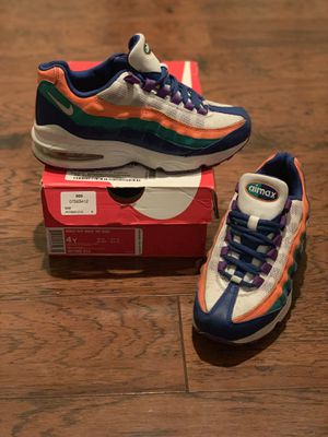 Nike Air Max - 4y for Sale in Pittsburg, CA