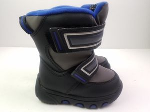 C9 By Champion Toddler Boys Slip On Snow Boots Size 5 for Sale in Walton Hills, OH