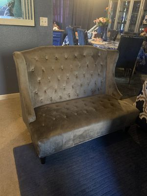 Beautiful grey velvet seatee $250 firm for Sale in Fresno, CA