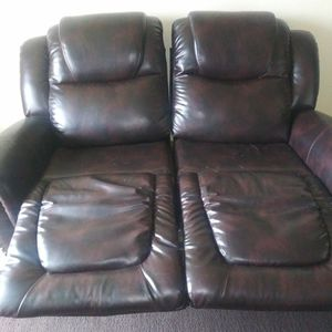Brown Leather recliner couch. for Sale in Federal Way, WA