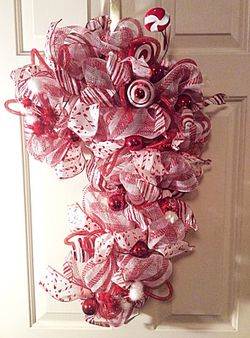Deco Mesh Candy Cane Wreath for Sale in Inwood,  WV