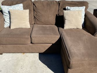 Sectional Couch With Reversible Chaise And Loveseat for Sale in Redlands,  CA