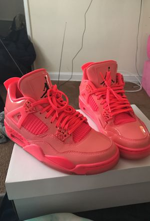Air Jordan 4's Hot Punch (woman's 9.5) (Men's 7.5) for Sale in Oxon Hill, MD