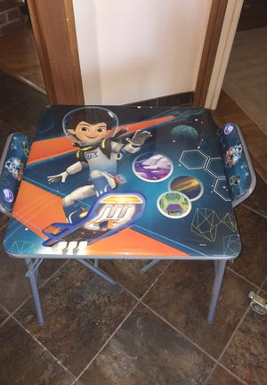 """Disney space kids table w/2 chairs Like new. One chair has a flaw but been sealed. 24""""x24"""" for Sale in Fresno, CA"""